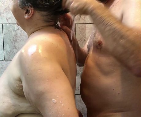 Amateur BBW Couple Has Playful Shower - Mature Granny TnD