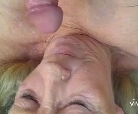 Granny with big tits gives blowjob