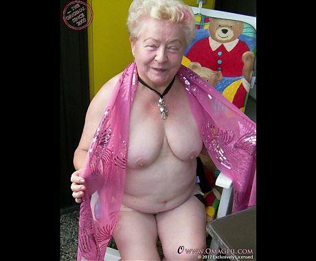 OmaGeiL Crazy Grannies Content Cut Perfectly