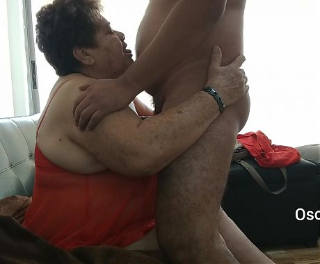 Crazy granny Luisa gives blowjob