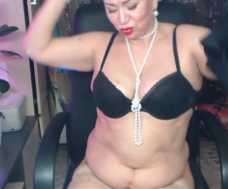 My fresh private show. Yes, Im your mom and Im your whore!