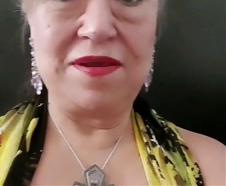 Pissing 4x while out, hairy pussy is very wet! Mature bbw woman