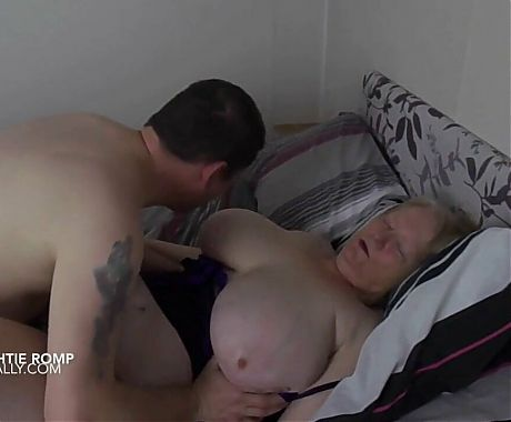 Huge breasted butterface gilf